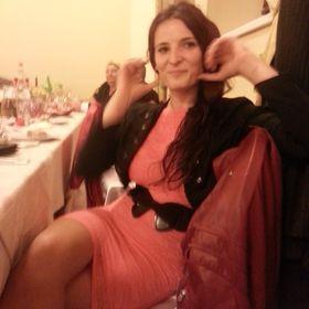 Corina Henteş