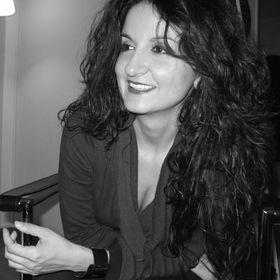 Eva Ampazi