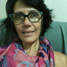 Claudia Bust