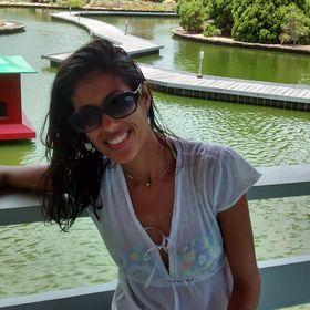 Lillyan Oliveira (lillyanferreira) on Pinterest 68b43084b1