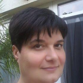 Anikó Madár