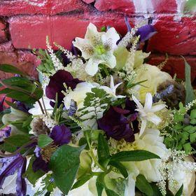 Flowers by Leslie/ Heidi H. Designs