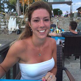Melissa Oudt