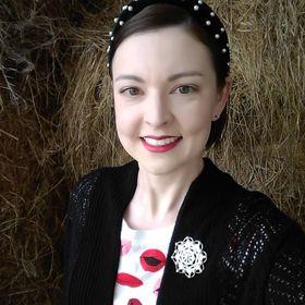 Erica Gerlemann, Avon Representative