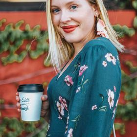 Holly Habeck || Fashion Inspiration, Beauty Hacks, & Travel Tips