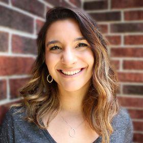 Allison Lindstrom| Blogging Strategist | Blogging Tips + Courses