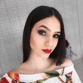 Hellen Dias
