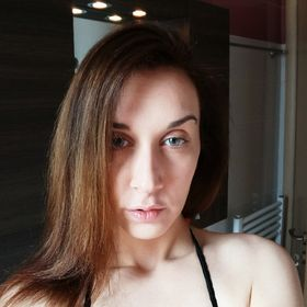 Leda Adamou