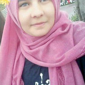 Zeynep Sude
