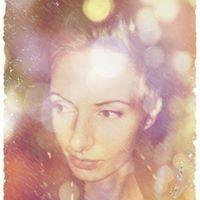 Anna Rękawek-Fic