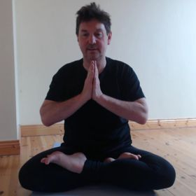 Learning Yoga on the Web