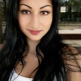 Yazmin Claudia Lakatos