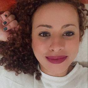 Flavia Dias