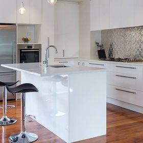 Moda Kitchens