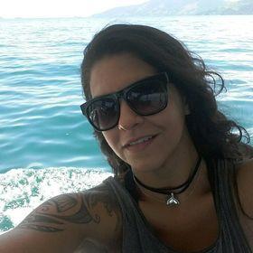 Elaine Araujo