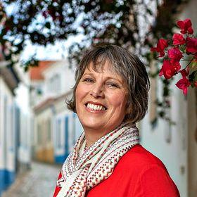 Julie Dawn Fox in Portugal | Portugal travel blogger/consultant