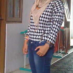 Dena Iswiandani