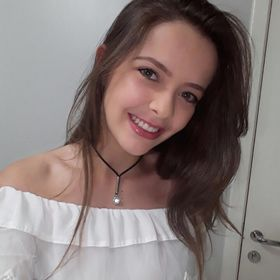 Júlia Beatriz