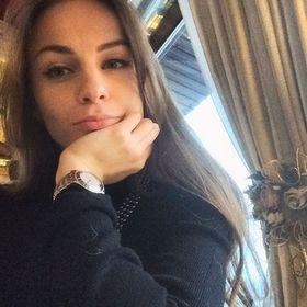 Julia Molkova