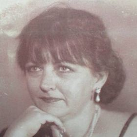 Yvonne Barr Vintage-Pretties