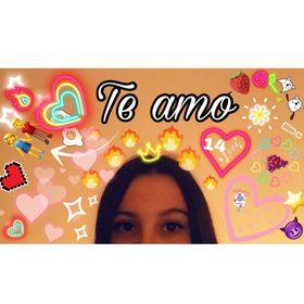 Carolina Mora