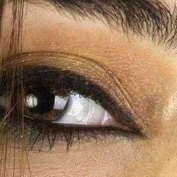Eyes_of_a_Woman