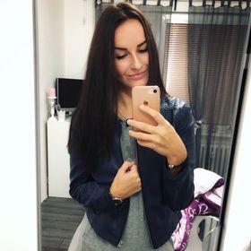 Sára Jaňourová