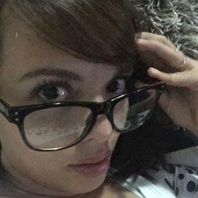 Pamela Paz