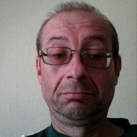 József Keserű