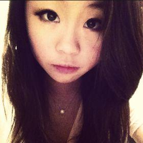 Chloé Leung