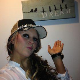 Nikki Brand