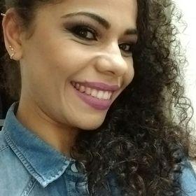 Camila Schneider