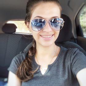Thayna Cardoso