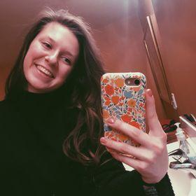 Olivia Chapman Pinterest Profile Picture