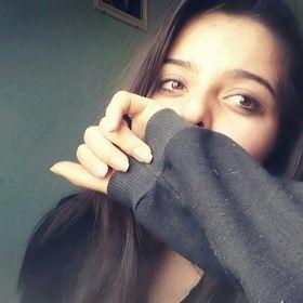 Camila Claudino