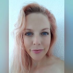 Erin Simons (metheeandthine)
