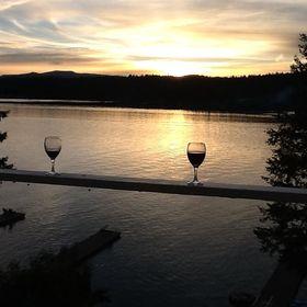 Inn at the Lake