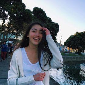 Emily 🦄