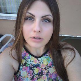 Nicole Dalidou