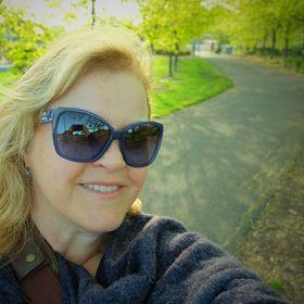 Julie Ewing