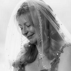 Melanie Barrow