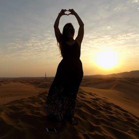 WanderlustBee | Travel Blogger