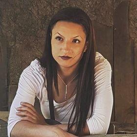 Emma Zdruly