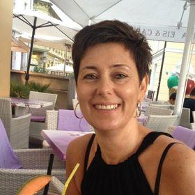 Andrea Anikó Erdos