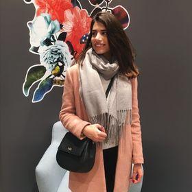 Lana Almamlouk
