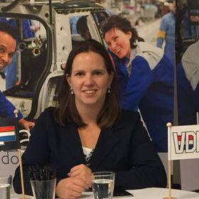 Suzanne van Hout
