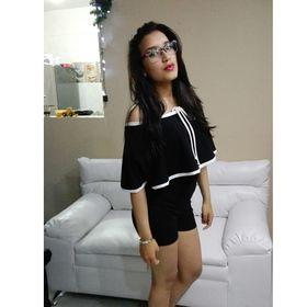 Noelle Revollo Mojica