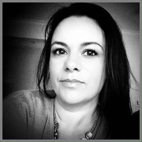 Lisa Komninos