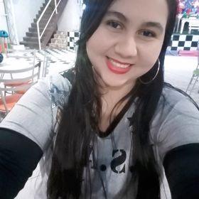Cássia Oliveira