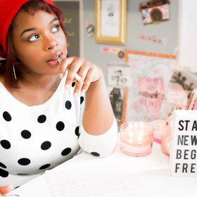 GirlBoss Tips + Branding + Stock Photos + Personal Growth for Women Entrepreneurs!